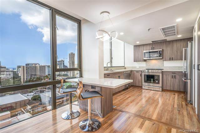 1114 Punahou Street Ph3, Honolulu, HI 96826 (MLS #202027246) :: The Ihara Team