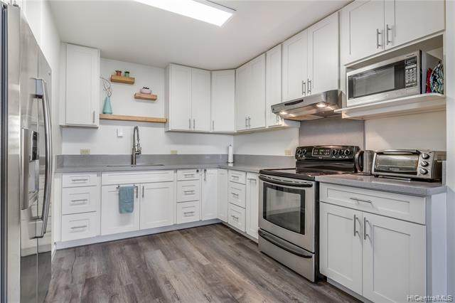 1070 Ala Napunani Street #410, Honolulu, HI 96818 (MLS #202027485) :: Corcoran Pacific Properties