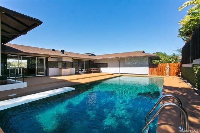 685 Hakaka Street, Honolulu, HI 96816 (MLS #202103731) :: LUVA Real Estate