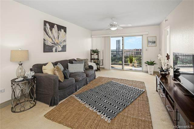 3075 Ala Poha Place #2004, Honolulu, HI 96818 (MLS #202104451) :: Team Lally