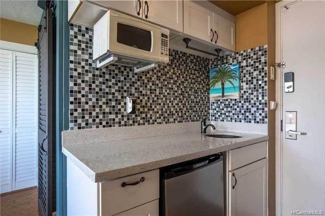 444 Kanekapolei Street #1410, Honolulu, HI 96815 (MLS #202104732) :: Team Lally