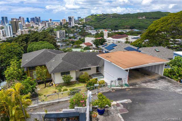 2143 Mauna Place, Honolulu, HI 96822 (MLS #202109320) :: Island Life Homes