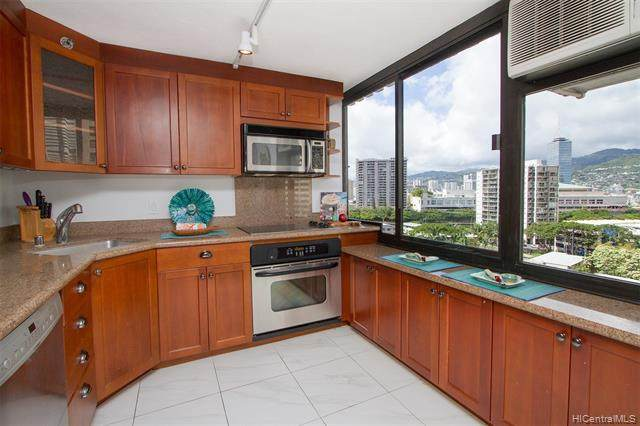 343 Hobron Lane #1102, Honolulu, HI 96815 (MLS #202110312) :: Keller Williams Honolulu