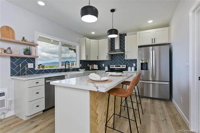 99-358 Uhaloa Street, Aiea, HI 96701 (MLS #202116015) :: Corcoran Pacific Properties