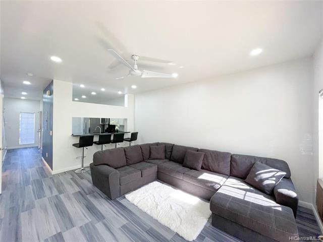 94-746 Lumiauau Street Cc3, Waipahu, HI 96797 (MLS #202120397) :: LUVA Real Estate