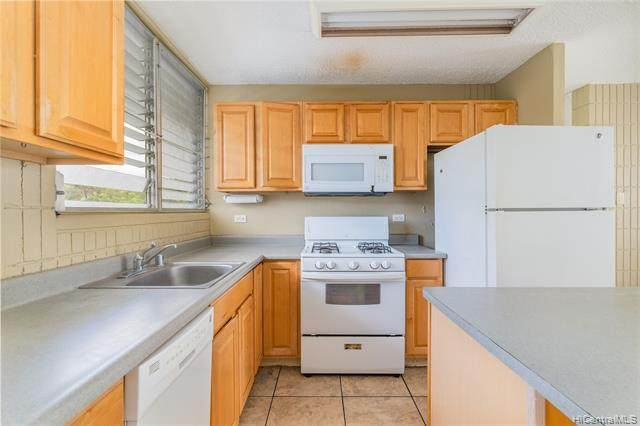 1605 Pensacola Street #306, Honolulu, HI 96822 (MLS #202120846) :: Weaver Hawaii | Keller Williams Honolulu