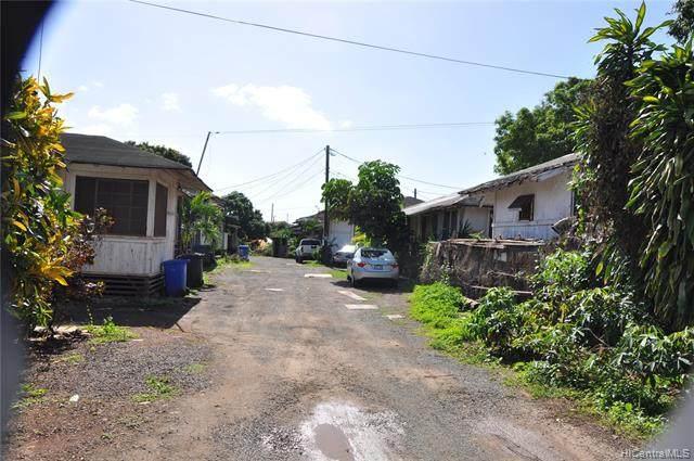 94-354 Peke Lane, Waipahu, HI 96797 (MLS #202121595) :: Team Lally