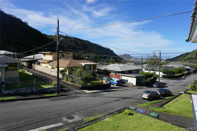 2618 Gardenia Street, Honolulu, HI 96816 (MLS #202121959) :: Weaver Hawaii | Keller Williams Honolulu