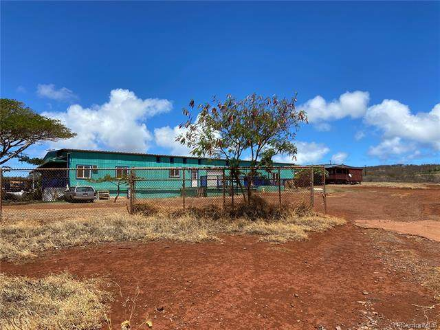2130 Maunaloa Highway, Hoolehua, HI  (MLS #202123383) :: LUVA Real Estate