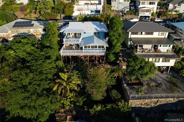 2147 Makanani Drive, Honolulu, HI 96817 (MLS #202125463) :: LUVA Real Estate