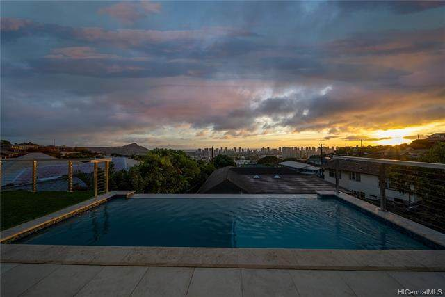 3011 Felix Street, Honolulu, HI 96816 (MLS #202125996) :: Island Life Homes