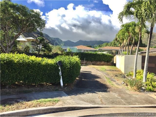 574 Kiholo Street, Honolulu, HI 96821 (MLS #201715190) :: The Ihara Team