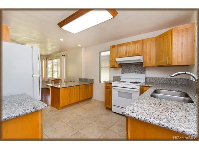 3236 Lower Road, Honolulu, HI 96822 (MLS #201717612) :: Elite Pacific Properties