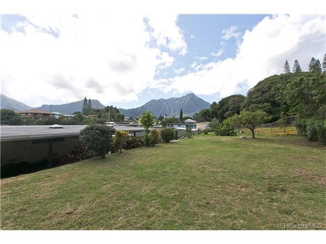 45-333 Paewalani Place, Kaneohe, HI 96744 (MLS #201724460) :: Team Lally