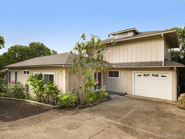 2421 Halelea Place, Honolulu, HI 96822 (MLS #201725847) :: Elite Pacific Properties