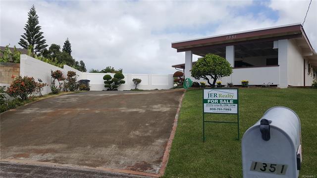 1351 Kaweloka Street, Pearl City, HI 96782 (MLS #201824351) :: Keller Williams Honolulu