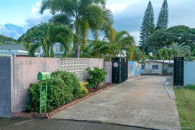 5025 Poola Street, Honolulu, HI 96821 (MLS #201903425) :: The Ihara Team