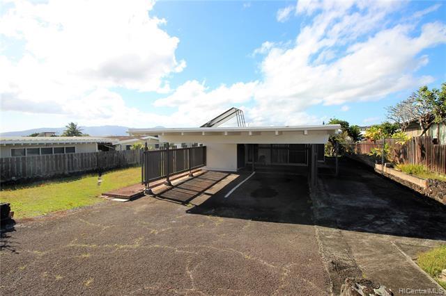 2158 Komo Mai Drive, Pearl City, HI 96782 (MLS #201905430) :: Hardy Homes Hawaii