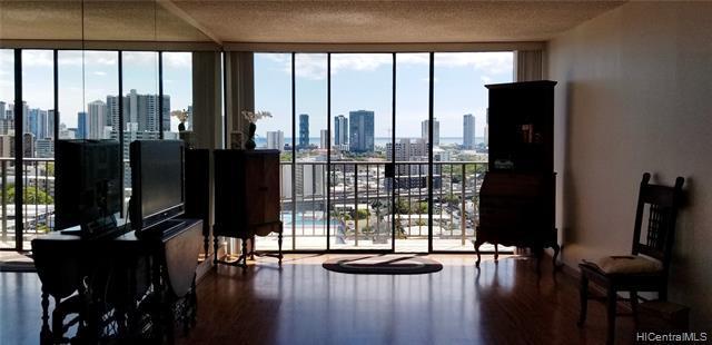 1561 Pensacola Street #1702, Honolulu, HI 96822 (MLS #201913678) :: Hawaii Real Estate Properties.com