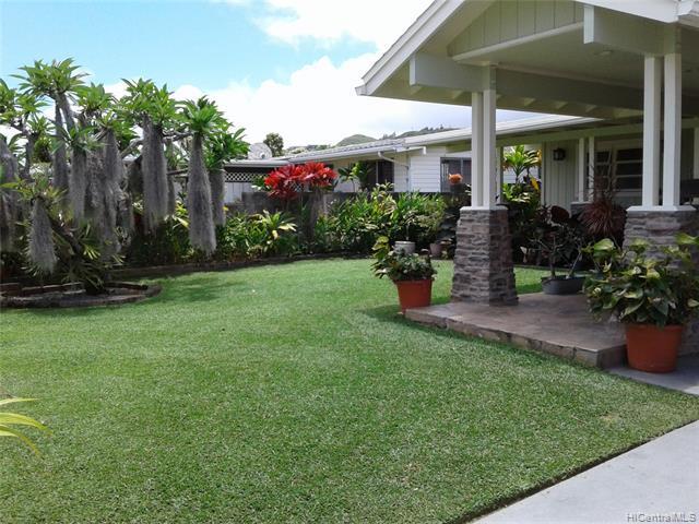 1021 Akumu Street, Kailua, HI 96734 (MLS #201917932) :: Team Lally