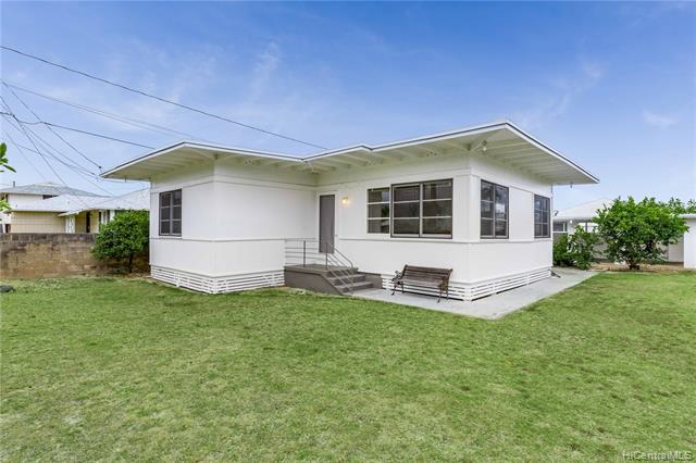 626 Oneawa Street, Kailua, HI 96734 (MLS #201918177) :: The Ihara Team
