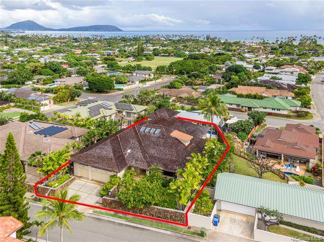1220 Koloa Street, Honolulu, HI 96816 (MLS #202004556) :: Team Lally