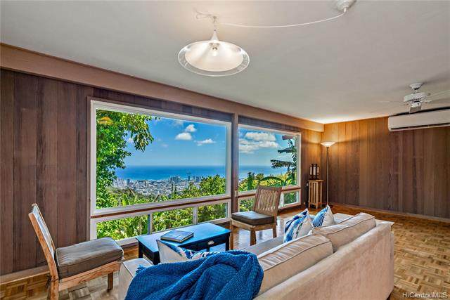 215 Forest Ridge Way, Honolulu, HI 96822 (MLS #202011412) :: Keller Williams Honolulu