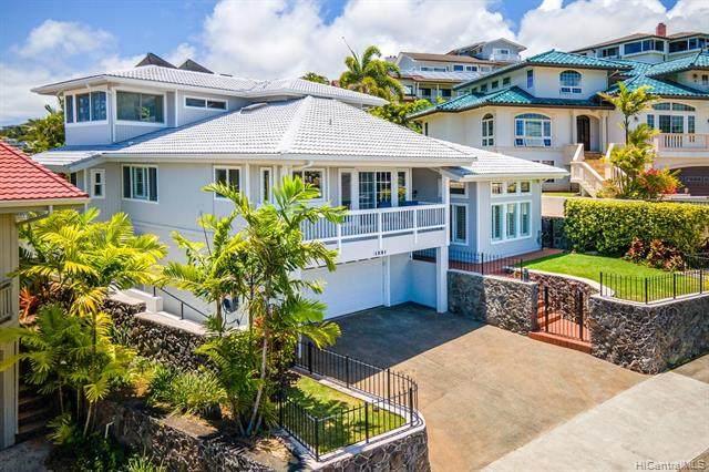 1291 Aulepe Street, Kailua, HI 96734 (MLS #202012081) :: Team Lally