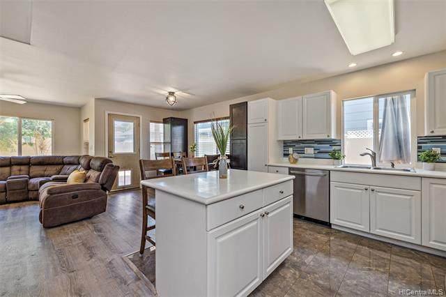 91-1045 Kaihi Street, Ewa Beach, HI 96706 (MLS #202021329) :: Island Life Homes