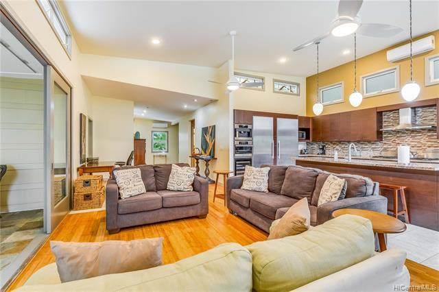 217 Lanipo Drive, Kailua, HI 96734 (MLS #202021627) :: LUVA Real Estate