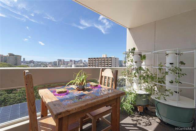 1212 Punahou Street #904, Honolulu, HI 96826 (MLS #202027526) :: The Ihara Team