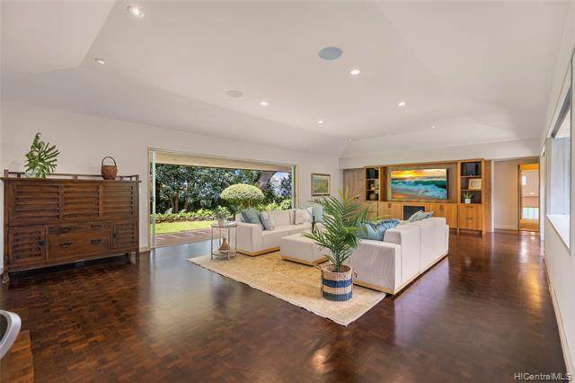 2659 Tantalus Drive, Honolulu, HI 96813 (MLS #202113606) :: LUVA Real Estate