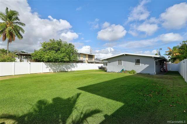 715 Akumu Street, Kailua, HI 96734 (MLS #202125651) :: Compass
