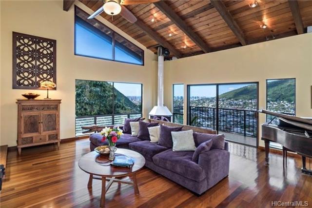 3270 Beaumont Woods Place, Honolulu, HI 96822 (MLS #201801432) :: Keller Williams Honolulu