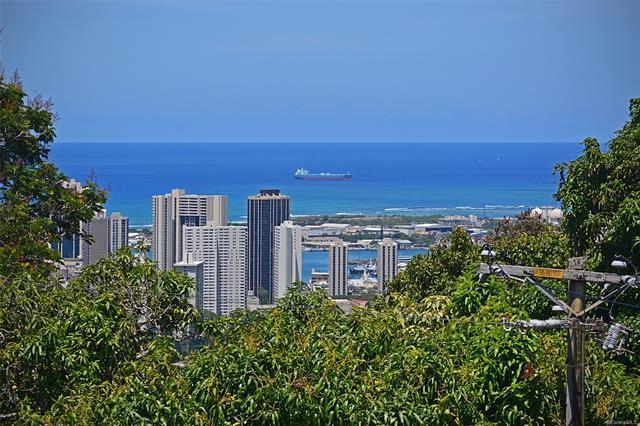 2798 Pacific Hts Road, Honolulu, HI 96813 (MLS #201812039) :: The Ihara Team