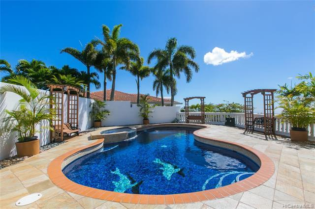 794 Moaniala Street, Honolulu, HI 96821 (MLS #201829837) :: Elite Pacific Properties