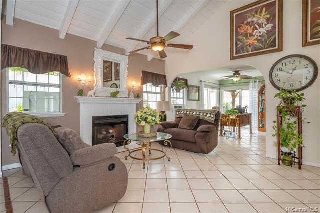 98-1830 Kaahumanu Street C, Pearl City, HI 96782 (MLS #201822645) :: Hawaii Real Estate Properties.com