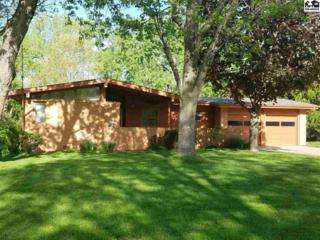 12 Hillcrest Dr, Hutchinson, KS 67502 (MLS #35028) :: Select Homes - Team Real Estate