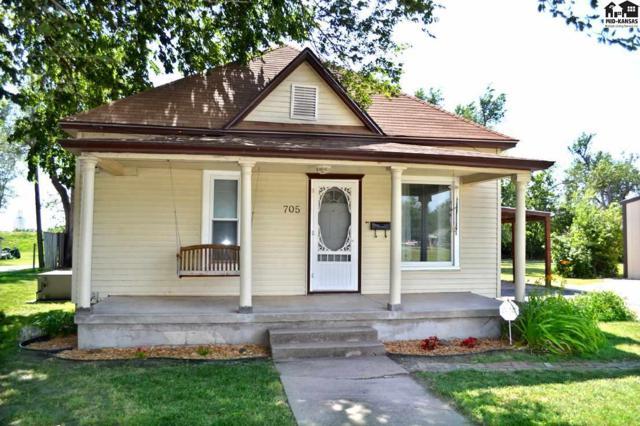 705 N Harrison St, Hutchinson, KS 67501 (MLS #35452) :: Select Homes - Team Real Estate