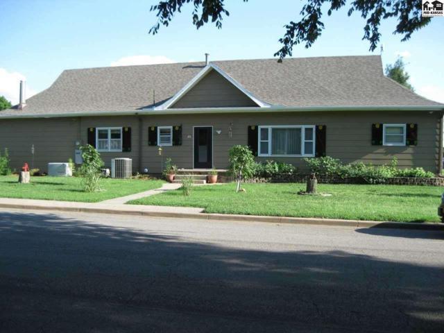202 S Plum St, Pretty Prairie, KS 67570 (MLS #36246) :: Select Homes - Team Real Estate
