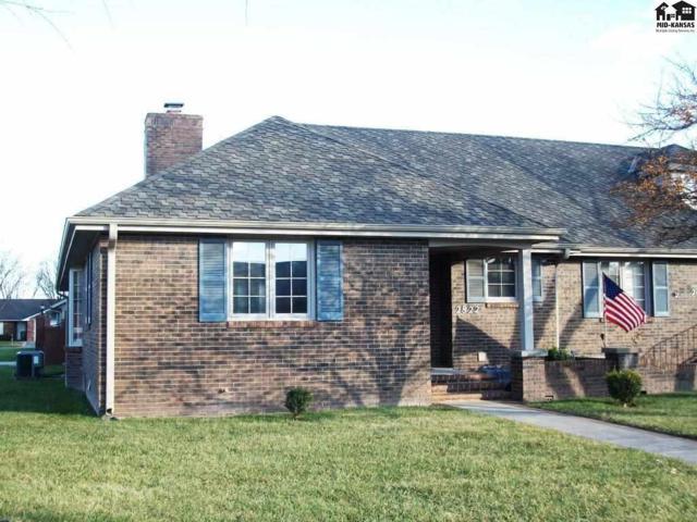 2822 Westminster Dr, Hutchinson, KS 67502 (MLS #36453) :: Select Homes - Team Real Estate
