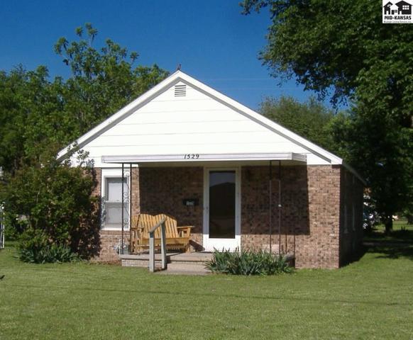 1529 N Lorraine St, Hutchinson, KS 67501 (MLS #37040) :: Select Homes - Team Real Estate