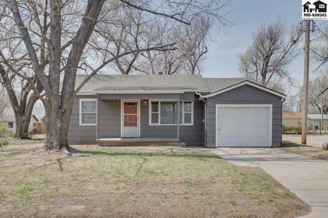 1407 N Van Buren St, Hutchinson, KS 67501 (MLS #37201) :: Select Homes - Team Real Estate