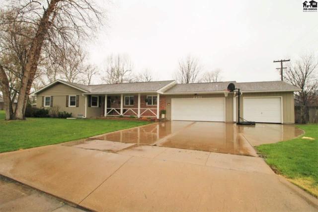 2401 N Jackson St, Hutchinson, KS 67502 (MLS #37253) :: Select Homes - Team Real Estate