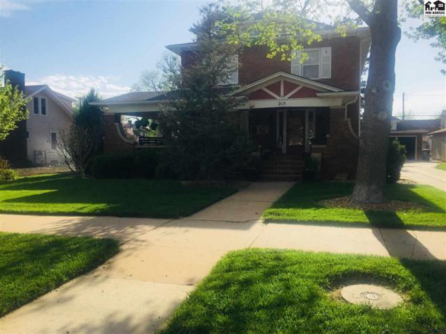215 N Main St, Pratt, KS 67124 (MLS #37412) :: Select Homes - Team Real Estate