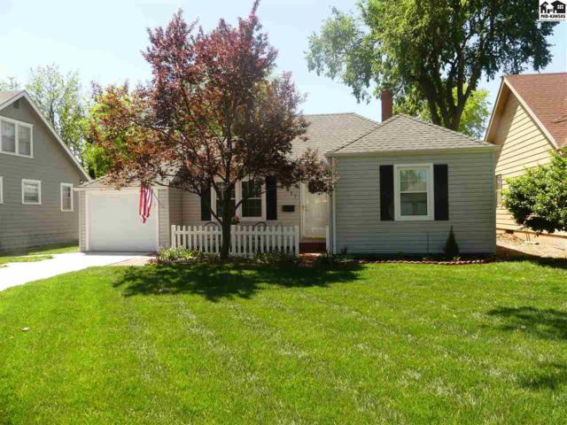 417 E 16th Ave, Hutchinson, KS 67501 (MLS #37419) :: Select Homes - Team Real Estate