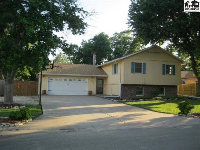 512 Oaklane St, McPherson, KS 67460 (MLS #37524) :: Select Homes - Team Real Estate
