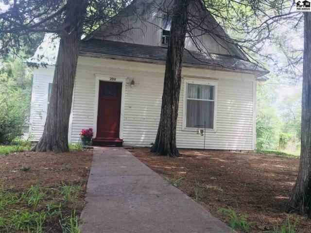 200 S Schmidt Ave, Moundridge, KS 67107 (MLS #37889) :: Select Homes - Team Real Estate