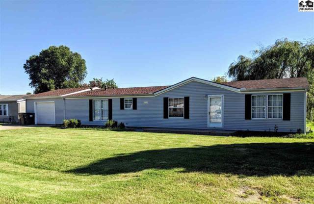 105 E 36th Ave, Hutchinson, KS 67502 (MLS #38373) :: Select Homes - Team Real Estate
