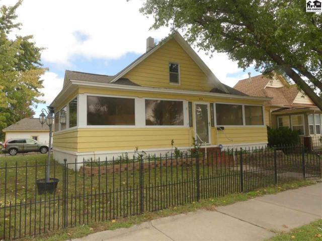814 N Plum St, Hutchinson, KS 67501 (MLS #38447) :: Select Homes - Team Real Estate
